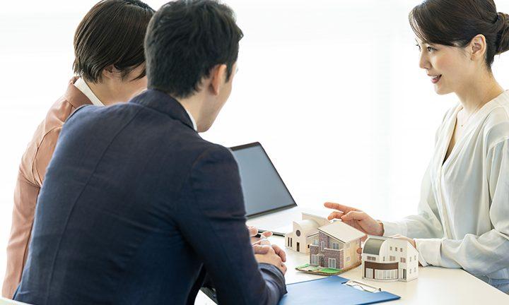 さいたま市の理想の二世帯住宅を実現する工務店の打ち合わせの様子