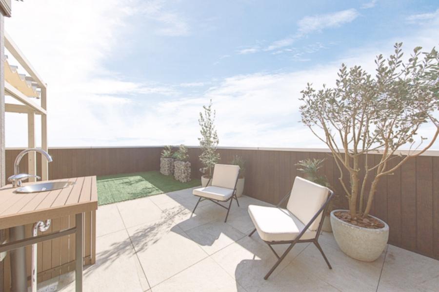 さいたま市でルーフバルコニーや屋上庭園の楽しめる屋上リビングプラン