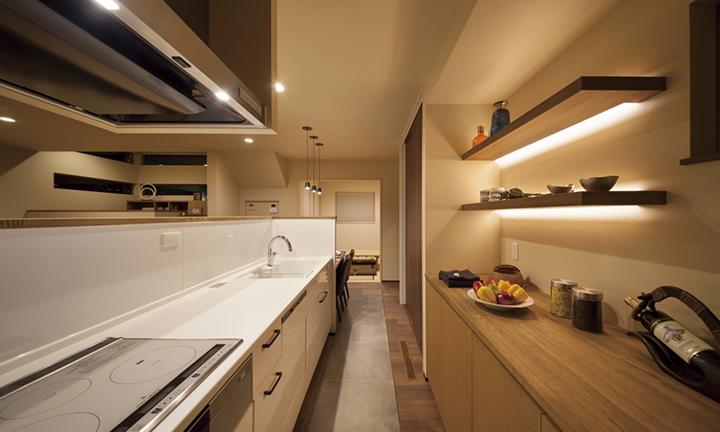 さいたま市で高性能設備で建てられた一戸建てのキッチン
